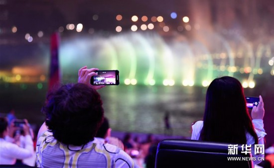 (文化)(2)天津大剧院举办首场大型户外交响音乐会