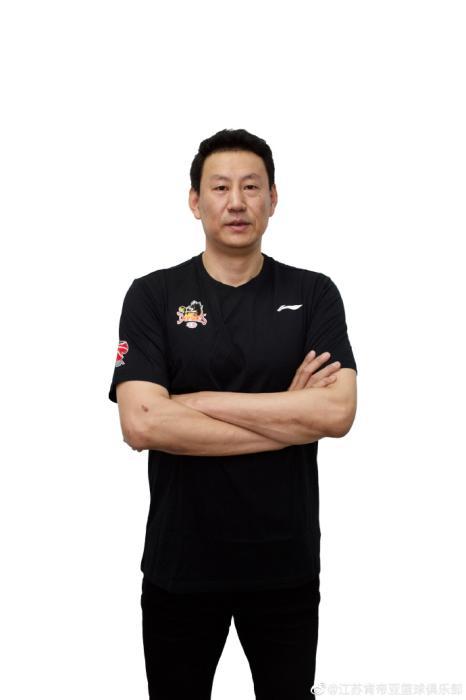 资料图:李楠在2020年5月加入江苏男篮担任顾问。