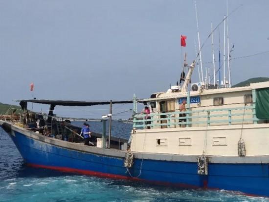 伏季休渔期间万宁查处违规渔船117艘 罚款16.34万元