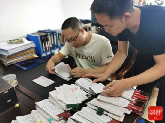 警示:东阳市烟草局长吴亚军如何沦为烟票贩子