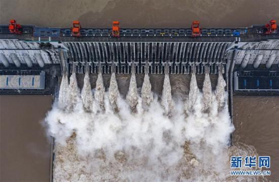 #(图文互动)(4)三峡水利枢纽迎战建库以来最大洪峰