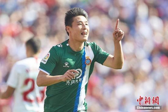 北京时间2月16日,西甲24轮西班牙人2:2战平塞维利亚。中国球员武磊首发登场,并在比赛的第49分钟破门,帮助球队2:1反超比分。这也是武磊本赛季的第一粒联赛客场进球,此前他曾在主场攻破过巴萨、赫塔菲的球门。