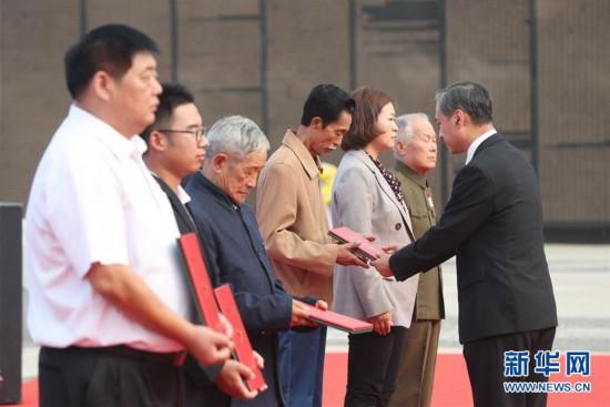 (图文互动)(3)让英雄回到亲人的怀抱――中国首次确认6位归国志愿军烈士遗骸身份