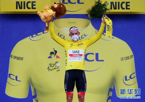 (體育)(1)自行車——2020年環法自行車賽開賽