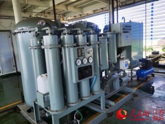 长江江苏段首例船舶污染物一体化处置装置落成