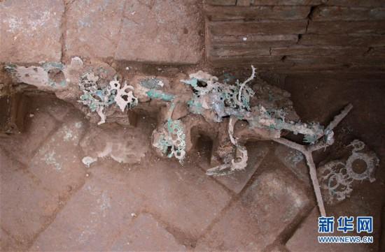 (图文互动)(2)陕西修复东汉时期青铜摇钱树