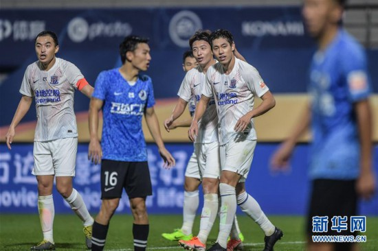 (体育)(11)足球――中超:大连人平上海绿地申花