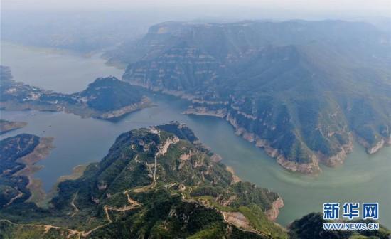 (美丽中国)(1)河南济源:黄河三峡美 犹在画中游