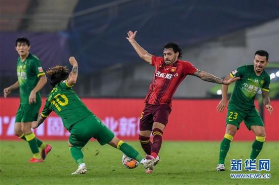 (体育)(12)足球――中超:河北华夏幸福平北京中赫国安