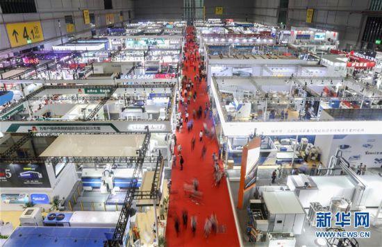 (经济)(7)第二十二届工博会在沪开幕