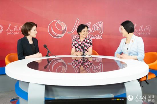 """福建省妇联:发挥""""联""""的优势和资源用情服务大局和妇女同胞"""