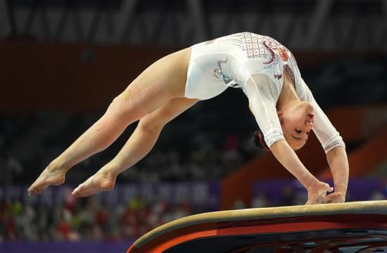 体操――全国锦标赛:广东队夺得
