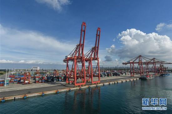 (图文互动)(1)海南自贸港开通首条洲际集装箱航线