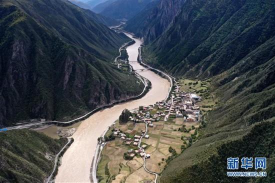 (西藏昌都解放70周年·图文互动)(8)西藏第一面五星红旗曾在这里升起