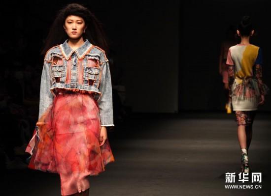 (社会)(3)2021春夏上海时装周精彩纷呈