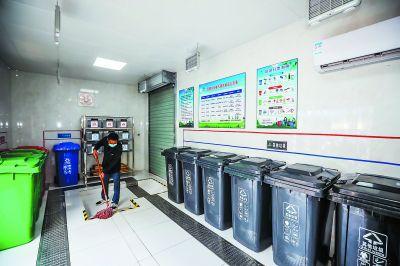 南京景区游客流动量大 垃圾分类各家有高招
