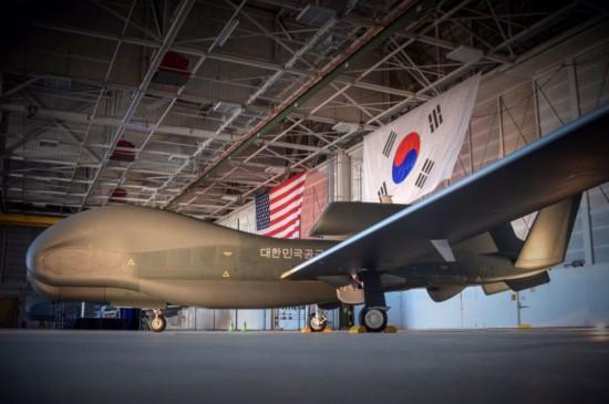 """韩国接收最后两架""""全球鹰""""无人机 后勤服务也将由美国提供"""