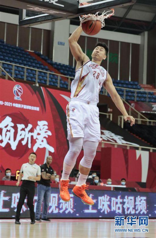 #(体育)(3)篮球――CBA季前赛:浙江稠州金租胜北京紫禁勇士