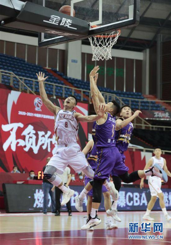 #(体育)(4)篮球――CBA季前赛:浙江稠州金租胜北京紫禁勇士