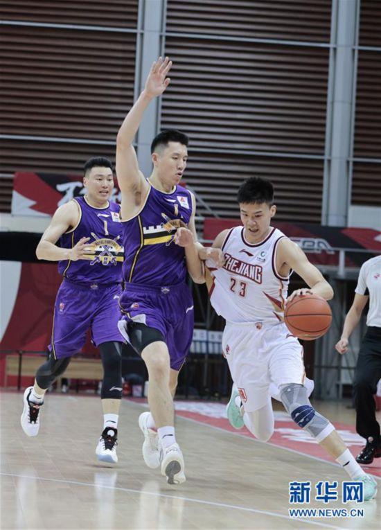 #(体育)(5)篮球――CBA季前赛:浙江稠州金租胜北京紫禁勇士