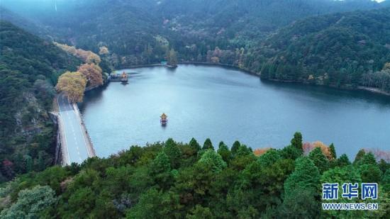 (环境)(1)秋染庐山