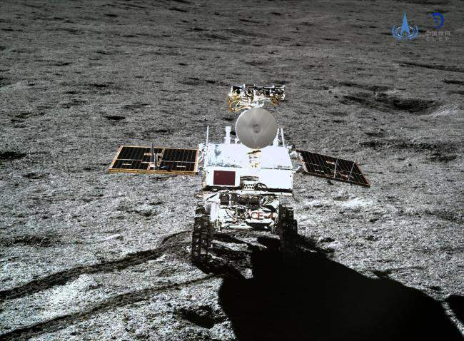 Photo taken by the lander of the Chang'e-4 probe on Jan. 11, 2019 shows the rover Yutu-2 (Jade Rabbit-2). [File photo: VCG/China National Space Administration]
