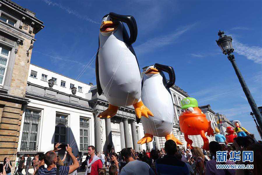 (國際)(7)布魯塞爾舉行卡通氣球大巡游