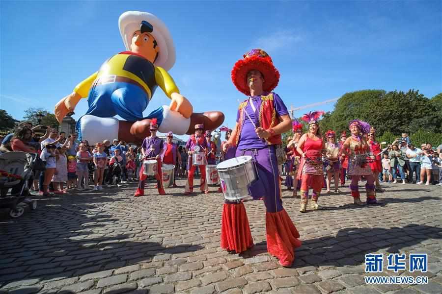 (國際)(6)布魯塞爾舉行卡通氣球大巡游