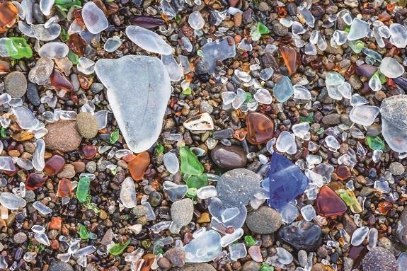 我国废旧玻璃制品回收率低专家建议玻璃瓶强制回收应立法