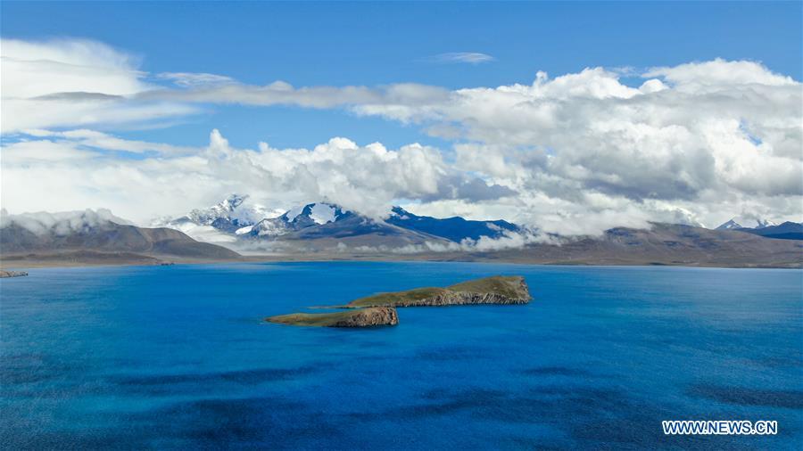 Scenery of Puma Yumco Lake in SW China's Tibet
