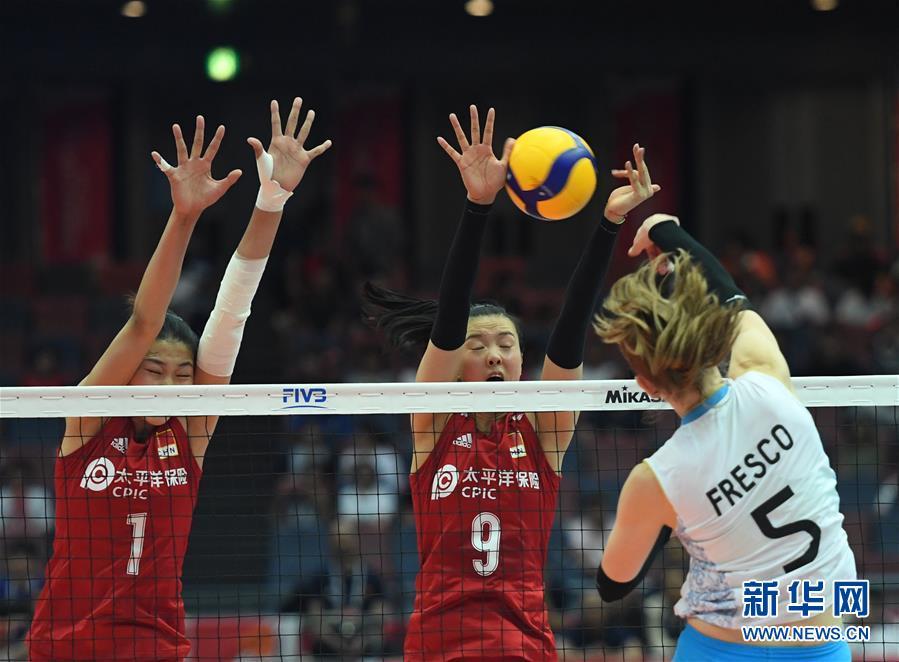 (体育)(2)排球――女排世界杯:中国队十一连胜 成功卫冕