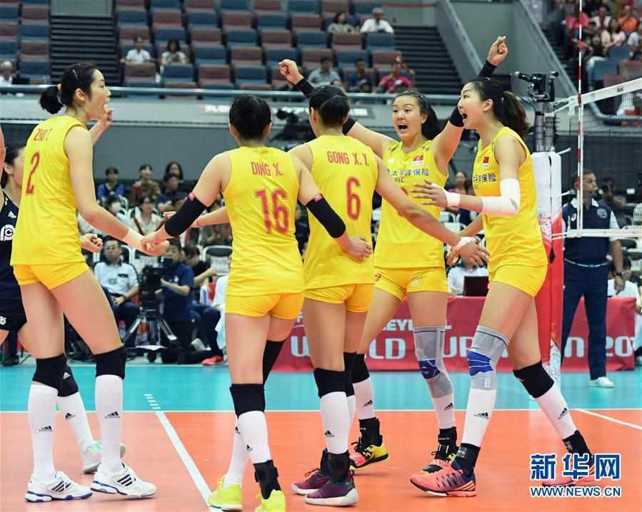 (体育)(1)排球――女排世界杯:中国队战胜塞尔维亚队