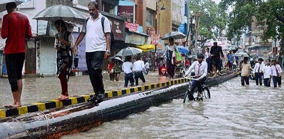 印度暴雨致至少86人丧生 医院被洪水淹没