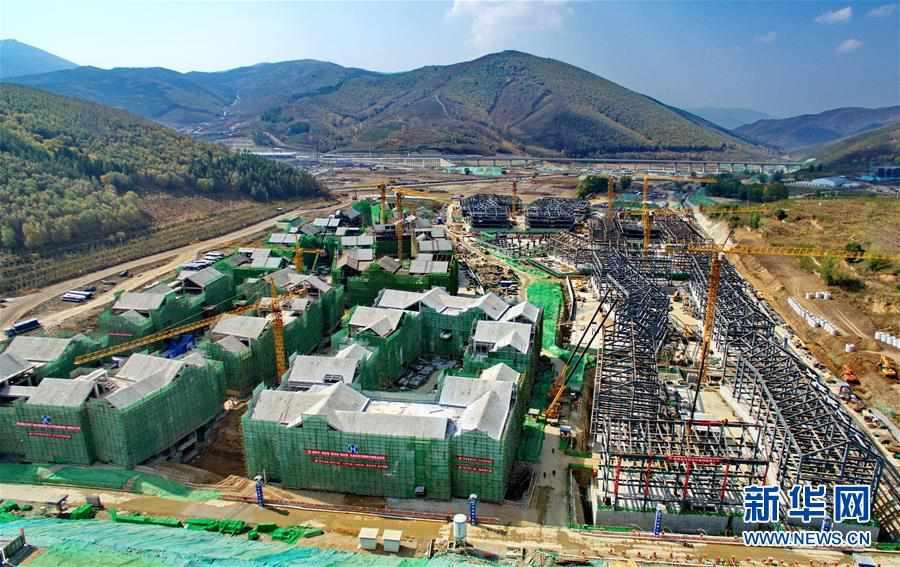 北京冬奥会张家口冬奥村主体结构正式封顶