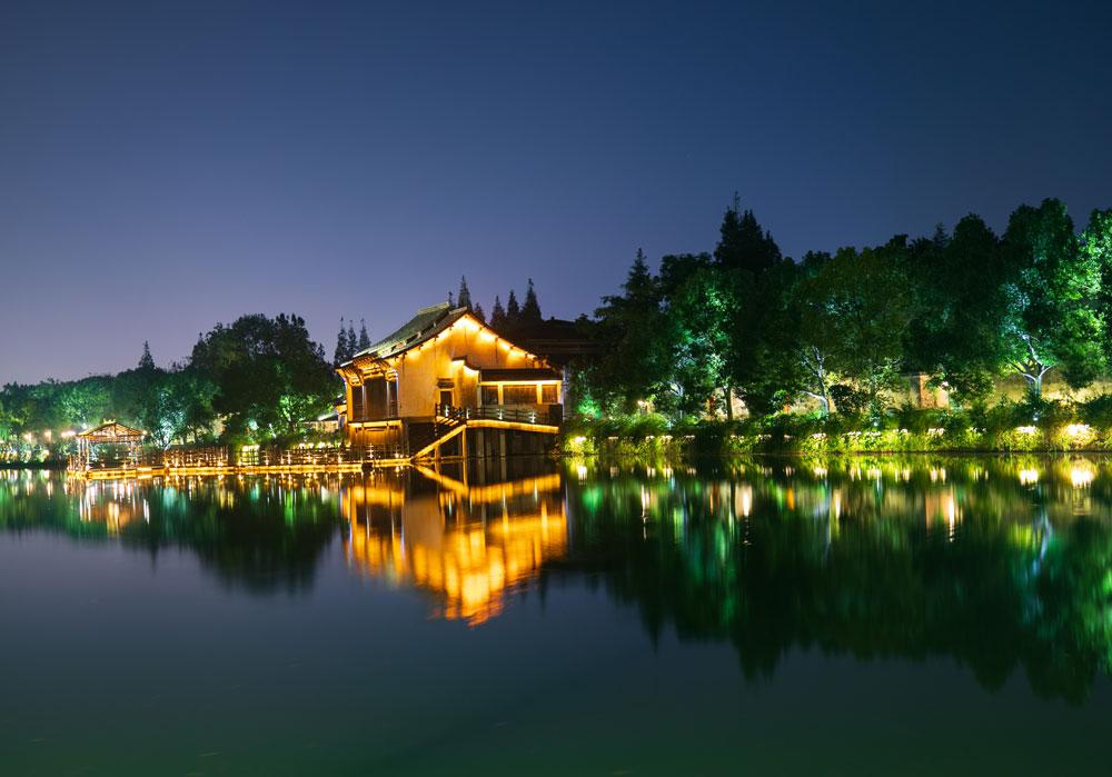 Wuzhen scenery dazzles at night