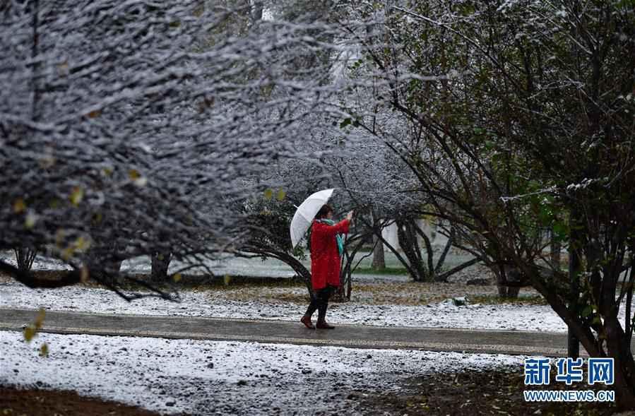 (環境)(1)青海西寧迎來降雪