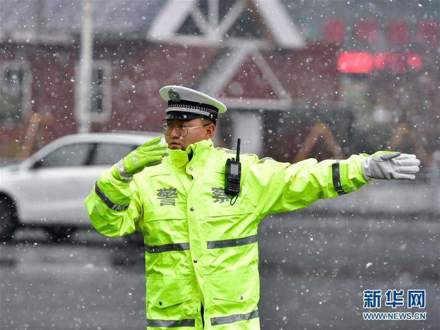 (环境)(4)青海西宁迎来降雪