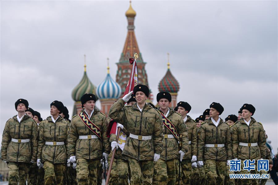 (国际)(4)莫斯科举行阅兵纪念1941年红场阅兵78周年