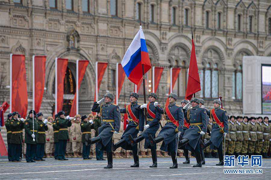 (国际)(3)莫斯科举行阅兵纪念1941年红场阅兵78周年