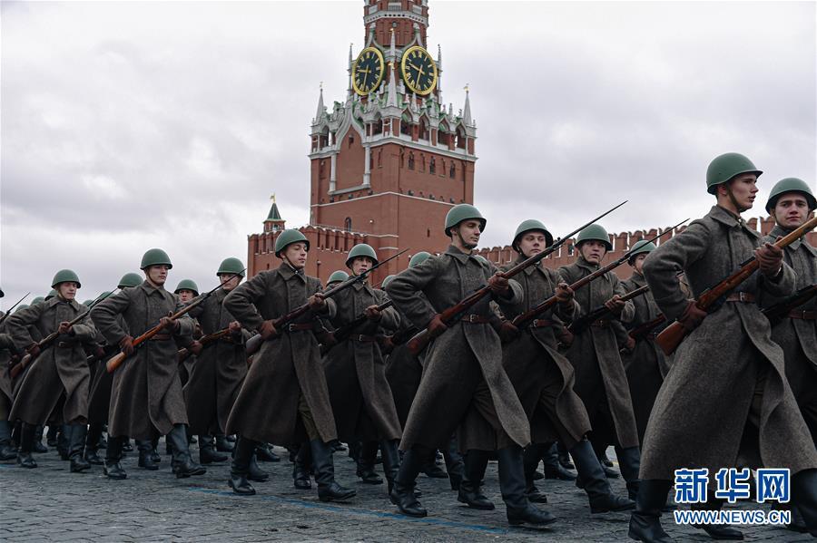 (国际)(5)莫斯科举行阅兵纪念1941年红场阅兵78周年