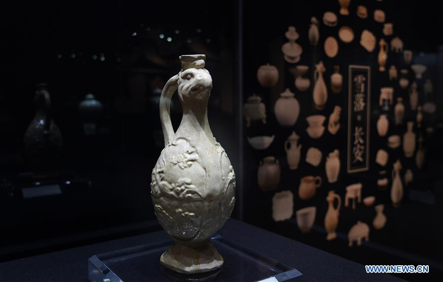 CHINA-XI'AN-PORCELAIN-EXHIBITION (CN)