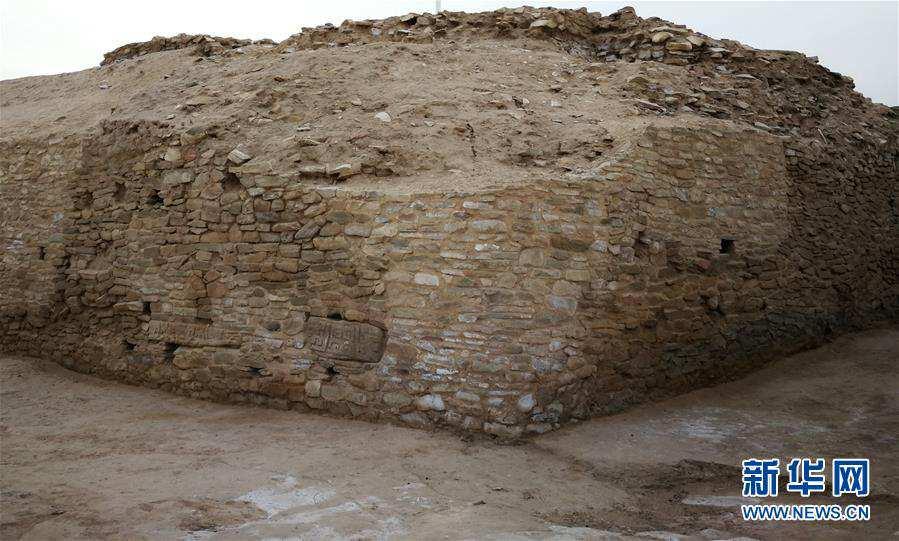 (文化)(3)陕西石峁遗址皇城台发现70余件精美石雕