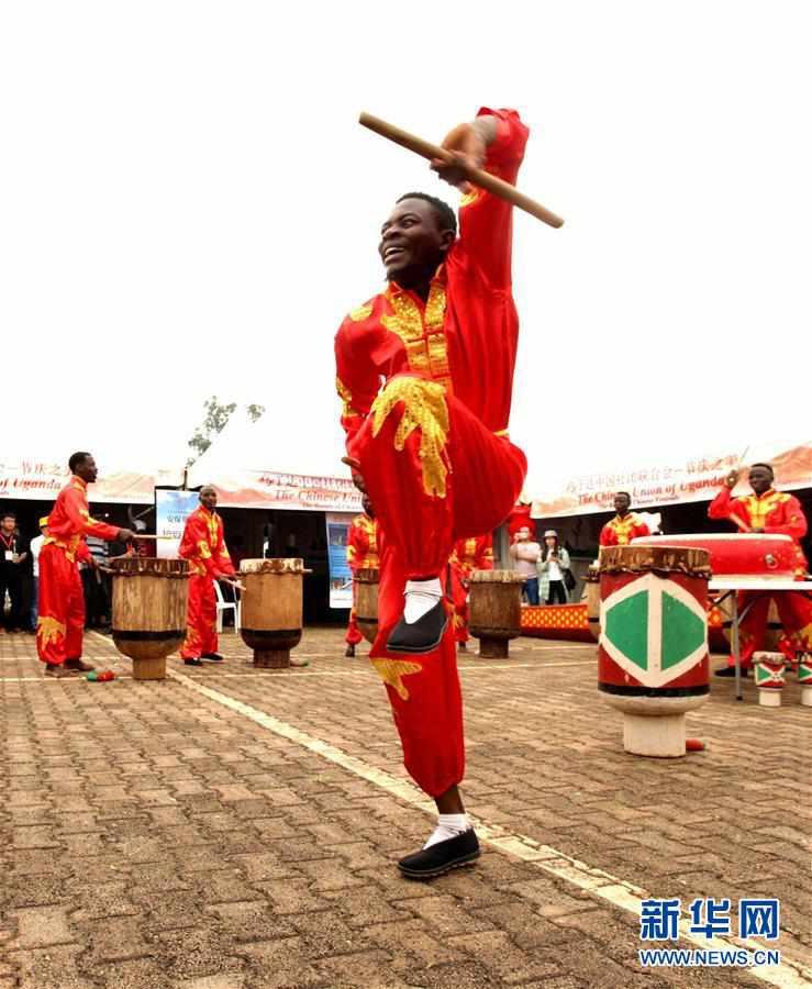 (XHDW)(1)首届乌干达华侨华人迎新春庙会成功举办