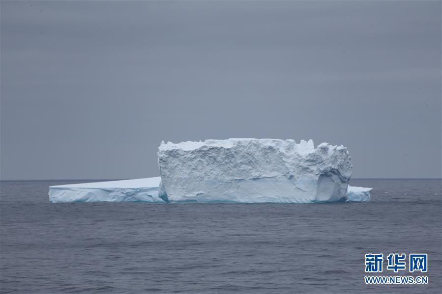 """(""""雪龙""""探南极・图文互动)(3)中国南极考察队在西风带布放2套浮标"""