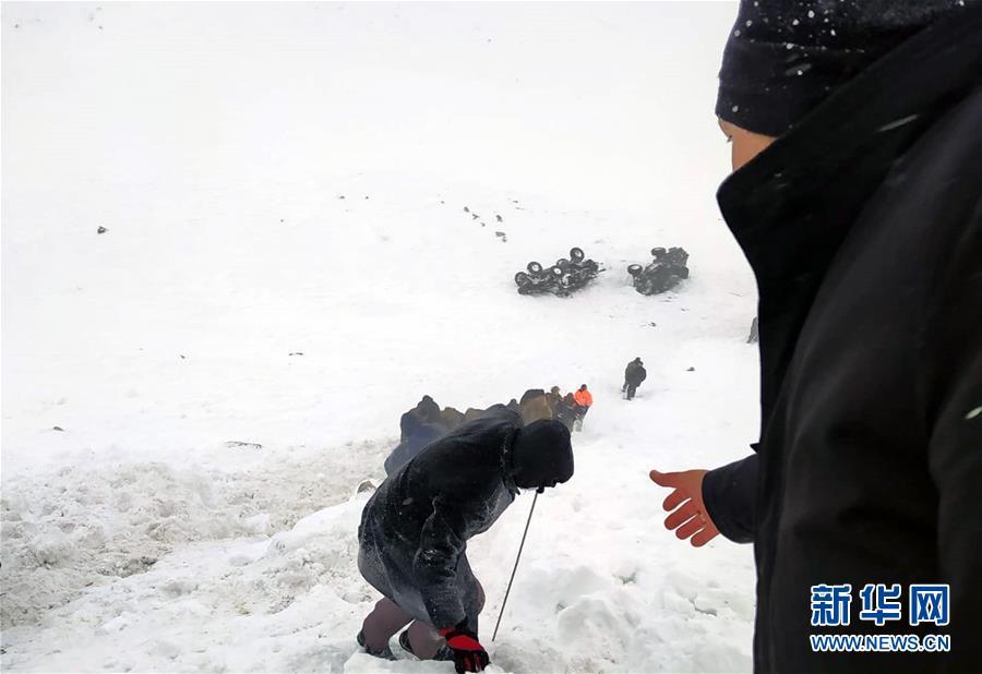 (国际)(1)土耳其东部雪崩造成33人死亡
