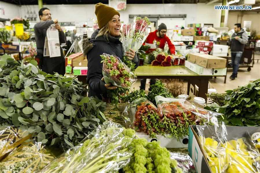 Floral wholesale markets in Chicago busy ahead of Valentine's Day