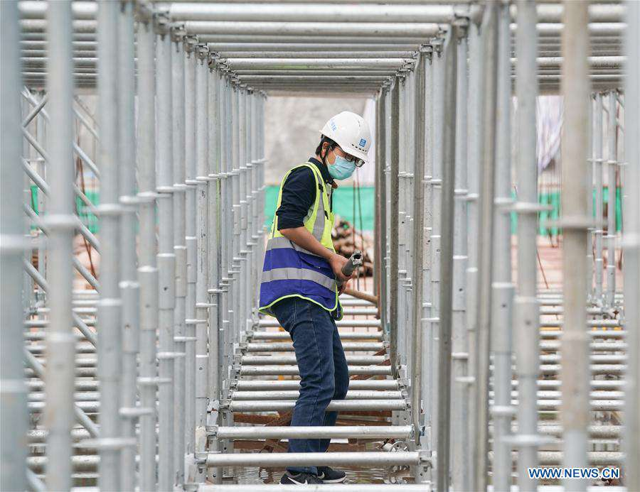 Construction project in Wuhan resumes work