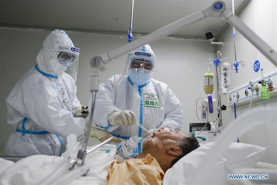 Pic story of Yuan Weifang, an experienced ICU nurse at Leishenshan Hospital