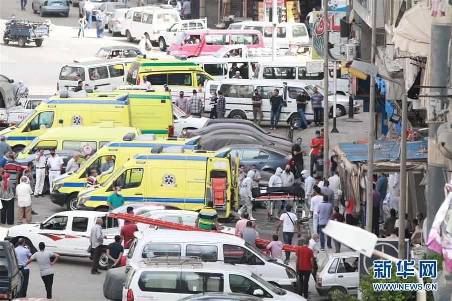 (国际)(3)埃及一家私立医院发生火灾致7人死亡