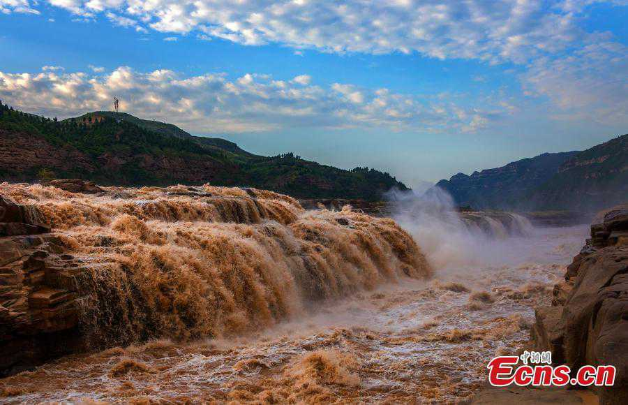Yellow River's Hukou Waterfall returns to full force